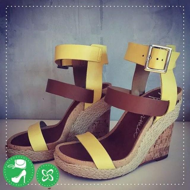 Puro frescor! A sandália anabela continua sendo a queridinha da estação, concorda? #anabela #ateliermix #shoppingconquistasul