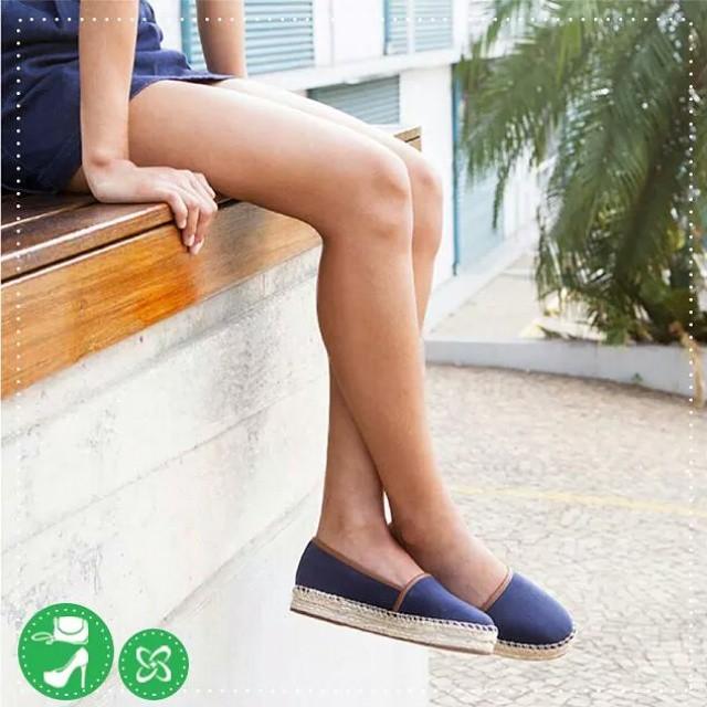 As espadrilles são perfeitas para looks despretensiosos e mulheres descoladas. Um charme! #arezzo #verão #shoppingconquistasul