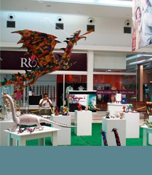 Exposição de Arte em Papel e Escultura