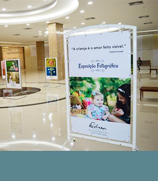 Exposição fotográfica em homenagem ao Dia das Crianças