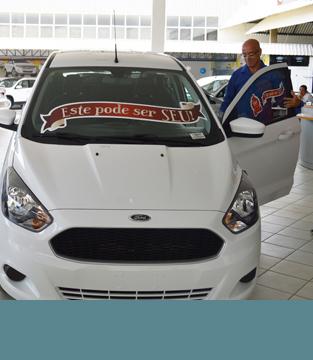 Entrega do carro ao Ganhador da Promoção Natal dos 10 anos