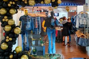 Excalibur: a sua nova loja de jeans